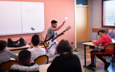 Essai sur le désordre entre générations / Cité scolaire Françoise Combes Montpellier